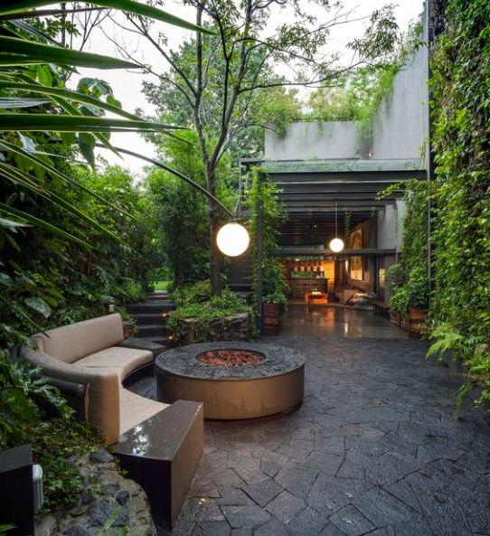 jardin-amplio-decorado